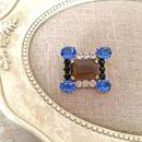 bijou brooch ①  brown x blue