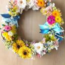 【プリザーブドフラワーリース/カラフルな明るい花たちの永遠の祝福】