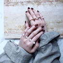 Pearl element tuck ring