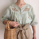 pale  green flower embroidery blouse