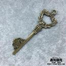 【5点セット】鍵風ペンダント素材 73mm x 23mm 金属製パーツ ブラスカラー 商品番号K-0034