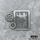 【4点セット】歯车付き時計風ペンダント 50mm x 39mm 金属製パーツ 商品番号T-0001