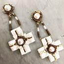 ビーズ刺繍 十字架の耳飾り