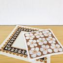刺繍のセンタークロス、ドイリー/お花柄とジンジャークッキー柄/2枚セット