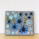 Jie Gantofta/ジィガントフタ/陶板/ブルーのコスモスとチューリップのお花柄