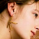 initial earring 片耳