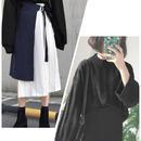 黒ニット&巻きスカート