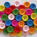 カラフルウッドボタン 7色50個セット (15mm、4つ穴)(022)