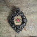 バラの刺繍の petit cadre