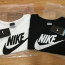ナイキ好きに 新入荷 へそ出し半袖 Tシャツ 超可愛い新品 レディース愛用 送料込み
