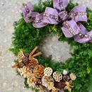 杉とヒバのクリスマスリース 「ビジューなパープルリボン」