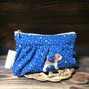 青ベース星柄ギャザーポーチ ビーグル刺繍