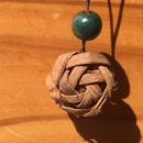 山ぶどう花編みのバッグチャーム・根付(山葡萄蔓の編んだ自然素材の手づくり雑貨)