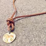 栃木レザーの馬ネックレス