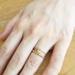 Gold  studs ring