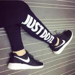 Nike良い着心地スキニーパンツ レギンス ブラック限定 新品