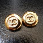 ヴィンテージ CHANEL シャネル ココマーク 16mm ゴールドボタン イヤリングパーツのおまけ付(c-112)