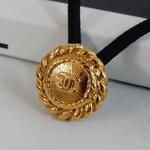 ヴィンテージ CHANEL シャネル ココマーク チェーンフレーム ゴールドボタン 16mm ヘアゴムのおまけ付(c-149)