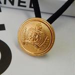 ヴィンテージ CHANEL シャネル エンブレムデザイン ゴールドボタン 18mm ヘアゴムのおまけ付(c-137)