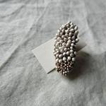 耳飾り(細長い粒・片耳用)/ 染め花horry