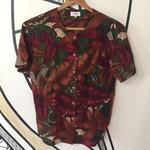 【個性的】レトロ ボタニカル デザイン 日本製 ノーカラー柄シャツ