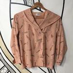 【個性的】レトロガール総柄フードシャツ