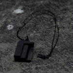 SOLID NECKLACE / SQUARE