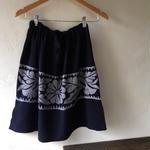 トゥクステ刺繍スカート ネイビー
