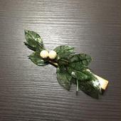 朝露の葉っぱとコットンパールのヘアクリップ