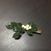 再販  朝露の葉っぱとコットンパールのヘアクリップ