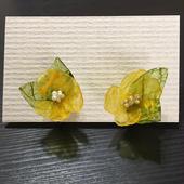 和紙の花 黄色い小花のイヤリング
