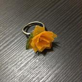 和紙の花 小さな黄色い花のリング