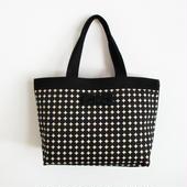 basic tote dots black