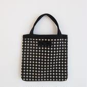 small tote dots black