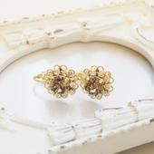 flower bijou earring(グレージュ)