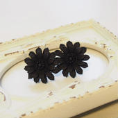 black flower pierce