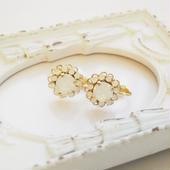 flower bijou earring(ホワイトオパール)