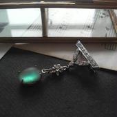 アンティークサフィレット(約12×10ミリ)エレガントブローチ