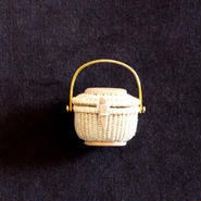 Nantucket Basket 1.5inch Oval with lid Gold