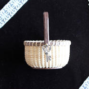Nantucket Basket 2.5inch Oval with Charm
