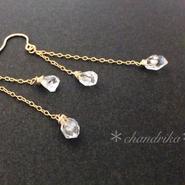 ハーキマーダイヤモンドのチェーンピアス