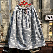 雲総柄スカート