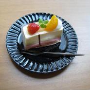 瑠璃釉リム中皿