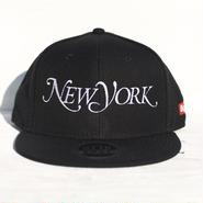 NEW YORK SNAPBACK CAP  人気のBLACK