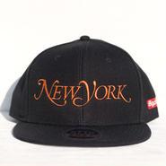 NEW YORK SNAPBACK CAP 人気のBLACKxNYCオレンジ