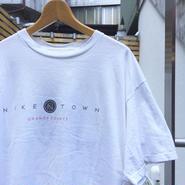 NIKE/ナイキ ナイキタウン  ロゴTシャツ 90年代  Made In USA (USED)