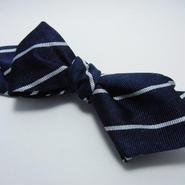Peaked Butterfly Tie (Silk100%) NAVY