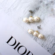 three pearl pierce,earring