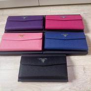 激安 プラダ 長い財布 ファスナー セレプ愛用 5色 XLM2559