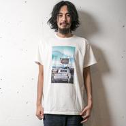 イーブンフロウ EIZIN SUZUKI×evenflow Tシャツ #SMALL TOWN SPIRIT